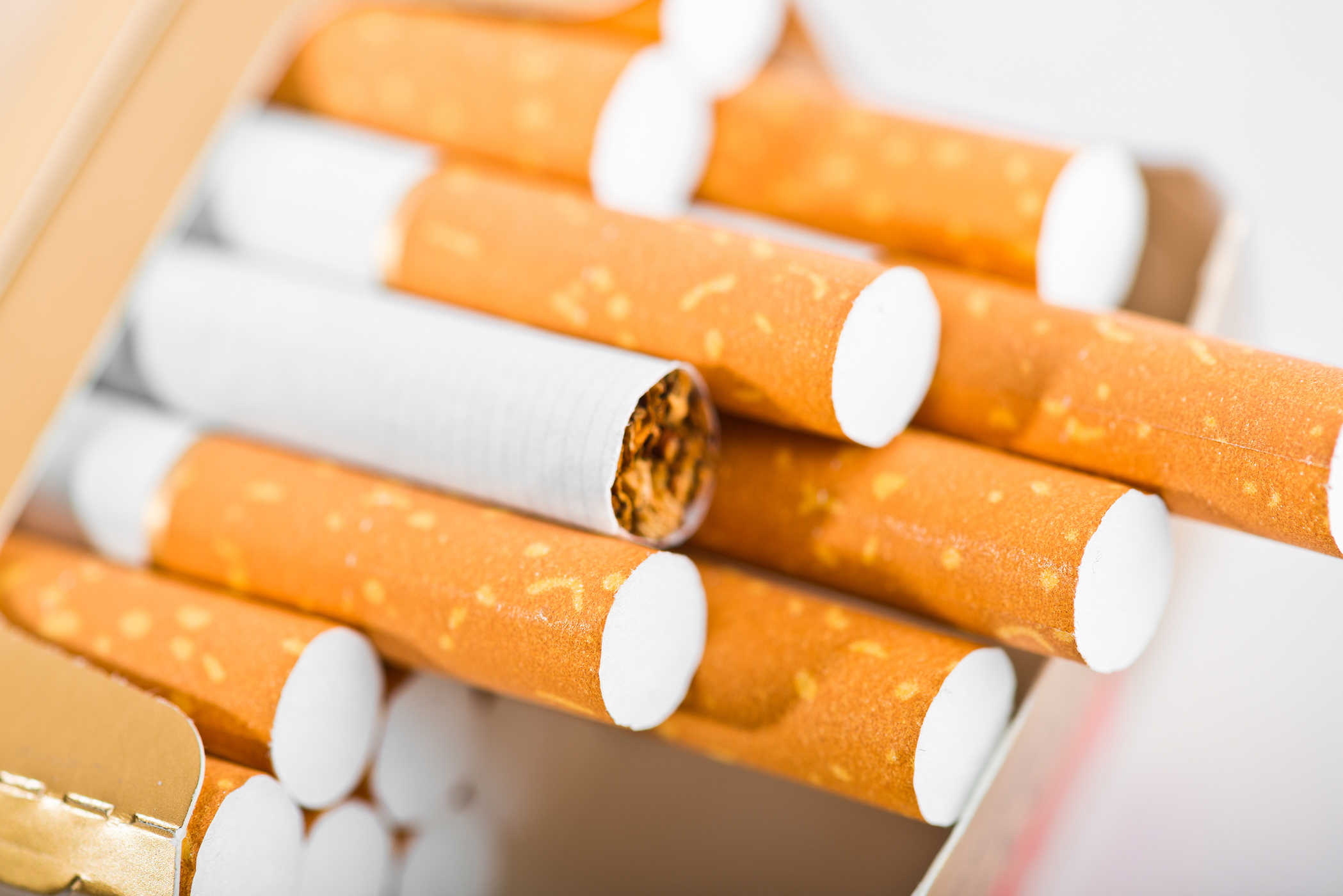 chuyển thuốc lá đi mỹ